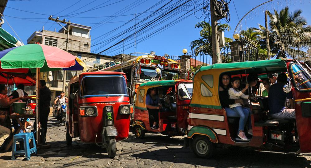 Tuk-Tuk Traffic